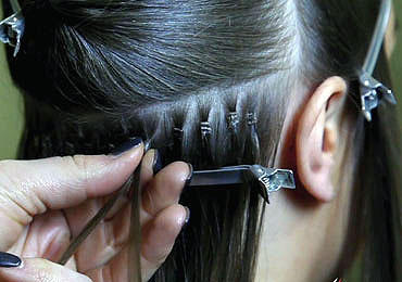 attaching Micro Rings Hair Extensions